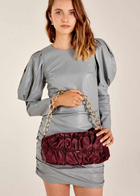 BURGUNDY PUFFY SHOULDER BAG WITH CHAIN STRAP