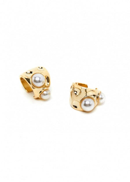 GOLD EARCUFF WITH PEARLS