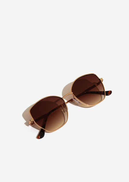 ROUND GOLD SUNGLASSES WITH SMOKED LENSES