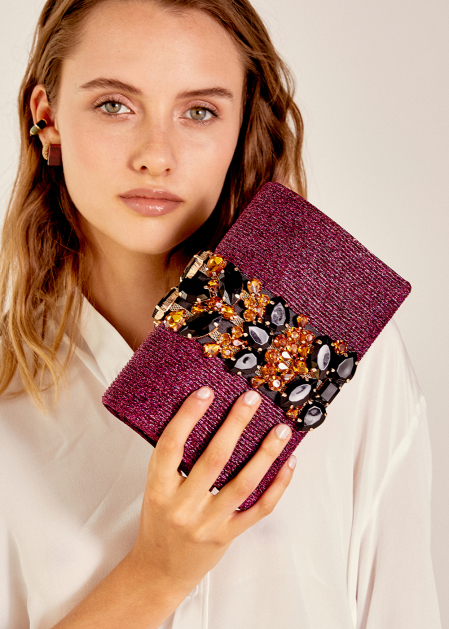 RIBBED CLUTCH IN FUCHSIA LUREX WITH STONES